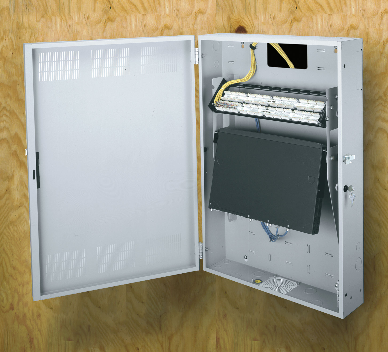 Hdr 4 Low Profile Wall Mount Horizontal Equipment