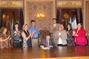 Utah Governor Gary Herbert Issues AV Week Proclamation