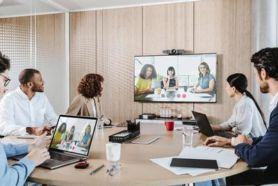 Barco and Logitech collaborate on new all-in-one solutions to enhance the Wireless Conference experience