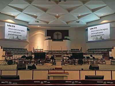 Eiki Projectors Help Deliver the Message at First Baptist Sweetwater