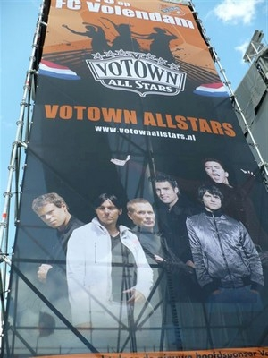 Votown All-Stars fundraise with Electro-Voice