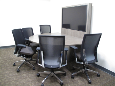 University Picks Custom Exact CT-720 Collaborative Tables for Break-out Rooms