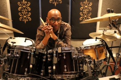 Omar Hakim Selects Earthworks  Drum Microphones for Studio & Stage