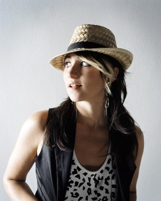 KT TUNSTALL TO JUDGE NEW CREATIVE AWARD SPONSORED BY SHURE