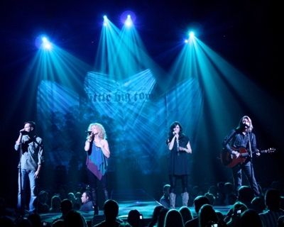 LITTLE BIG TOWN CELEBRATES ANOTHER ANNIVERSARY…A LIFETIME WITH SHURE