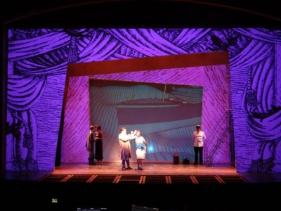 Community-funded theater relies on projected scenery for eye-popping impact