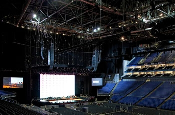 Meyer Sound LEO Reproduces Michael Bublé at London's O2 Arena Like a