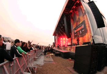 POOLgroup Powers Germany's Deichbrand Festival with Meyer Sound LEO