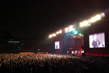 Two Meyer Sound Rental Houses Join Forces for Metallica's Malaysian Debut
