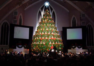 Earthworks Microphones Capture Singing Christmas Tree Performances