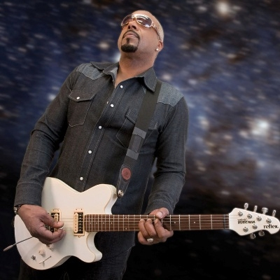 """GUITARIST TOMMY """"O"""" CONNECTS WITH ZAOLLA SILVERLINE"""
