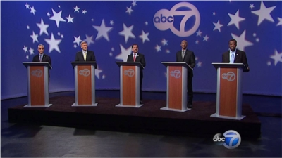 ABC-7 Chicago Creates a Dignified Setting for  Televised Chicago Mayoral Debate with AmpliVox Lecterns