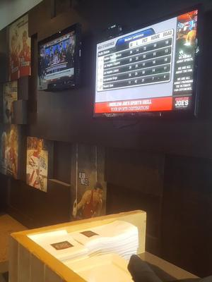 Shoeless Joe's Picks Audience for their Sporty Digital Signage