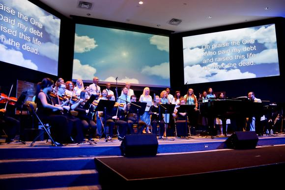 Connect Church creates an immersive multi-screen experience in Florida