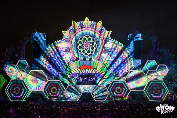 Barco UDX 30K adds to the fun at the Elrow Town festival