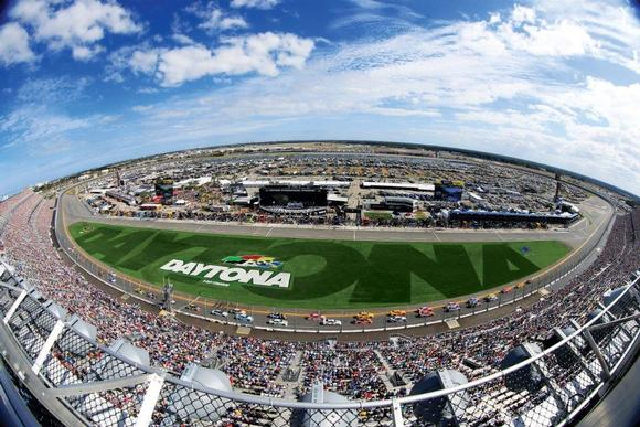 Peerless-AV Becomes DAYTONA Technology Platform Partner, Providing Over 800 Outdoor Displays to Daytona International Speedway®