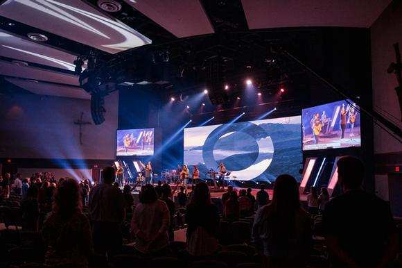 Southeast Christian Church LEDs the Way with Absen