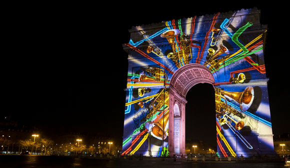 Paris welcomes 2020 with memorable Barco video mapping