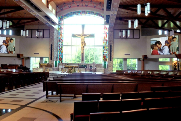 Eiki Projection Technology Helps Keep the Congregation Engaged  at St. Mark The Evangelist Catholic Church