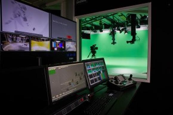 Telemetrics Robotics Help Streamteam Interview Players in Studio that Aren't Really There