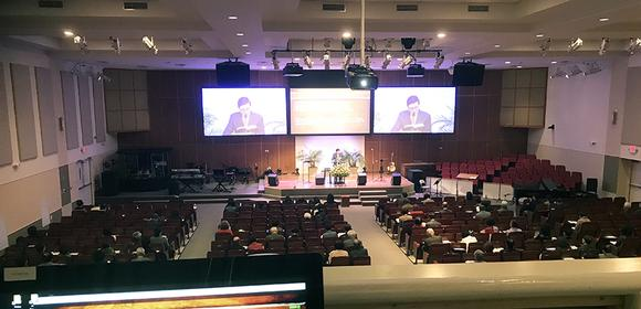 Genesis Technology Selects Analog Way's Ascender 16 - 4K for Open Door Presbyterian Church Three-Screen Installation