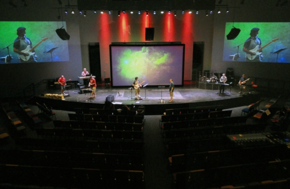 Parkway Christian Church Adds New Auditorium with High Definition Vaddio ClearVIEW HD-18 Cameras